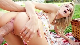Picnic Day Turns Into Hardcore Sex For Blonde Emma Hix Passion-hd. Com
