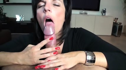 Astonishing Brunette Mature Sucks A Dick Like A True Professional