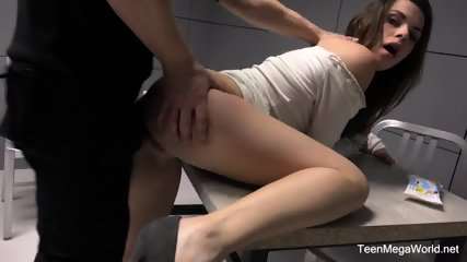 Incredible Beauty Girl Gets Fucked In Prison In A Free Sex Video